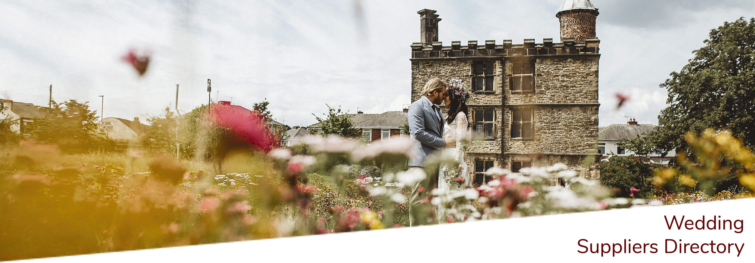 Sheffield Manor Lodge wedding couple having outdoor ceremony