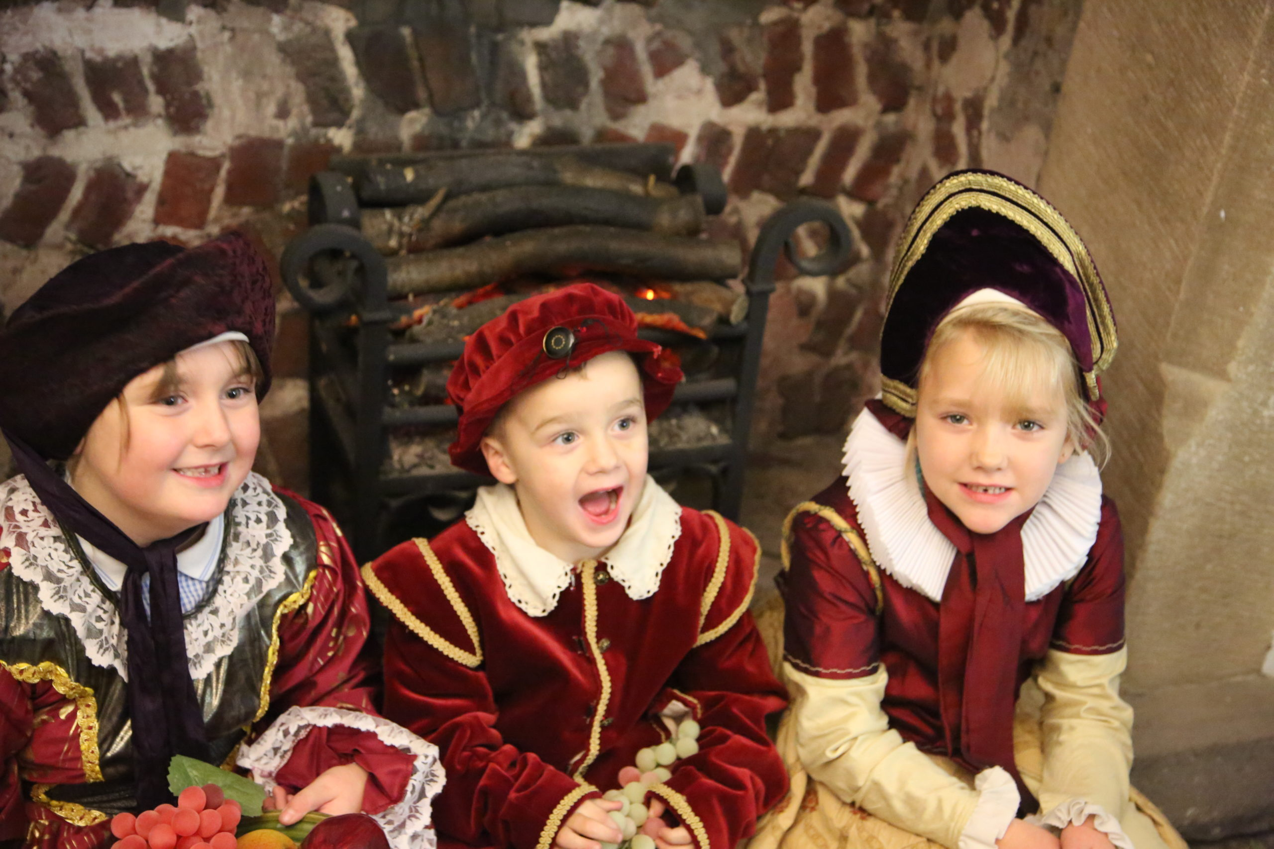 Children dressing up as Tudors in the Turret House